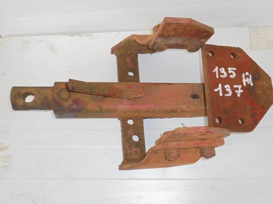 Attelage barre oscillante tracteur mc cormick ih f 135 137 f135 f137