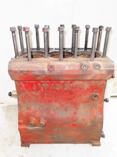 Bloc moteur tracteur international ih 3 cylindres d 155 353 383 423 453