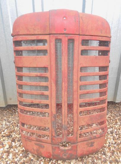 Calandre tracteur ih mc cormick f 135 137 d 1