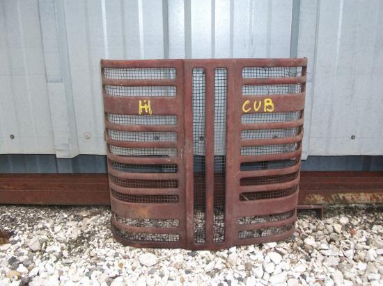 Calandre tracteur mc cormick cub