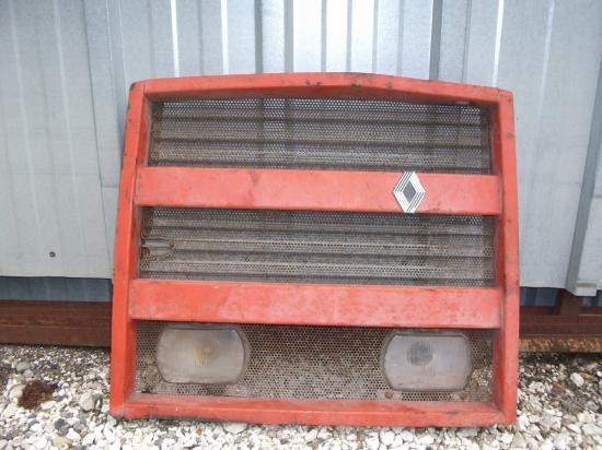 Calandre tracteur renault 1151
