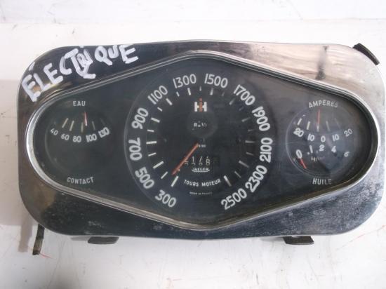 compte-tours-heures-tracteur-ih-240-270.jpg
