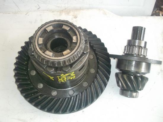 differentiel-pignon-pont-tracteur-massey-ferguson-mf-158-165-1.jpg