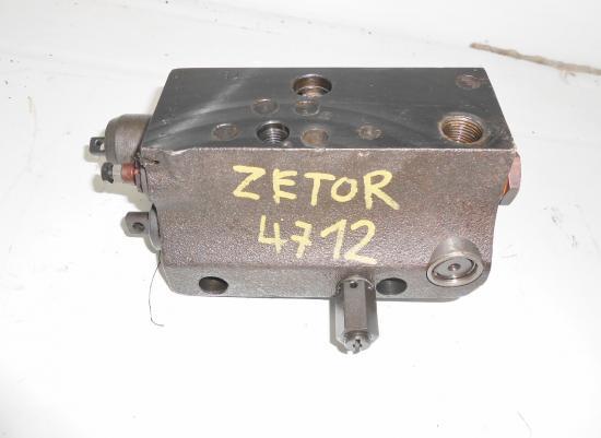 Distributeur de relevage tracteur zetor
