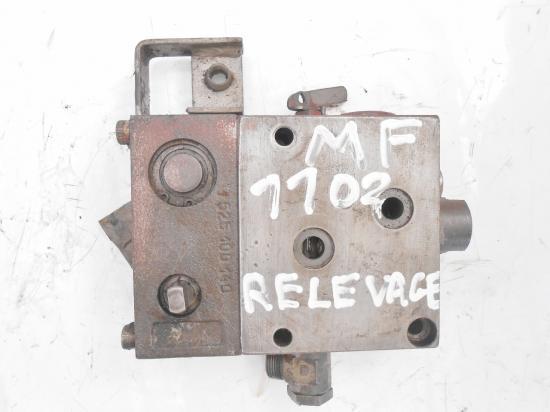 Distributeur hydraulique de relevage tracteur massey ferguson 1102