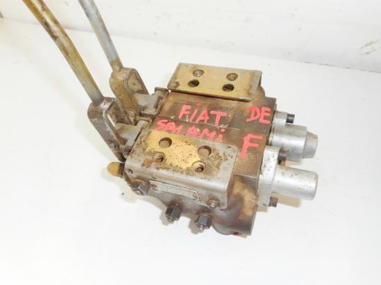 Distributeur hydraulique double effet freinage tracteur fiat 780 880