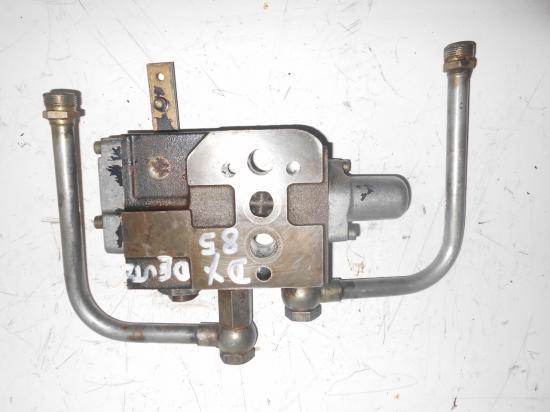 Distributeur hydraulique double effet intermediaire tracteur deutz dx 85 7807