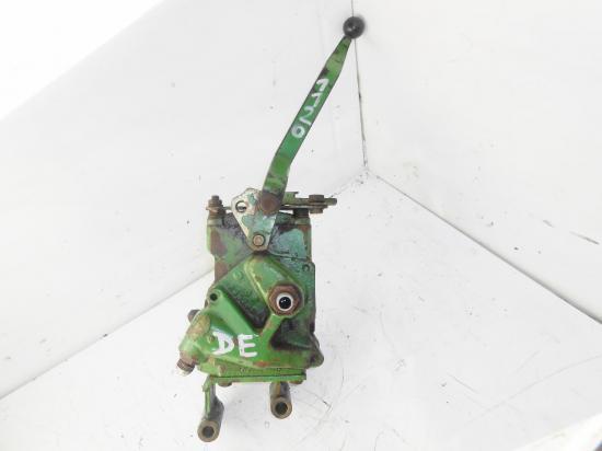 Distributeur hydraulique double effet tracteur john deere 1120