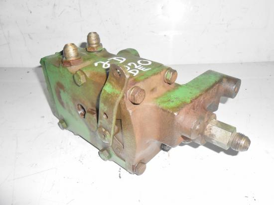 Distributeur hydraulique double effets tracteur john deere 3020