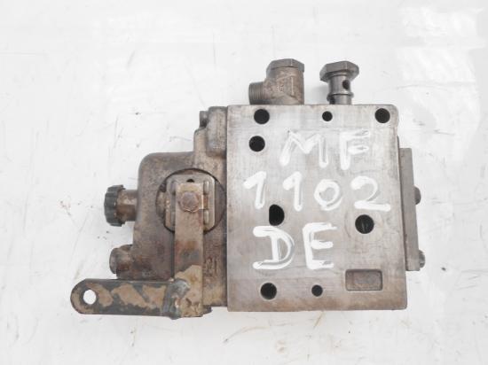 Distributeur hydraulique double effets tracteur massey ferguson 1102