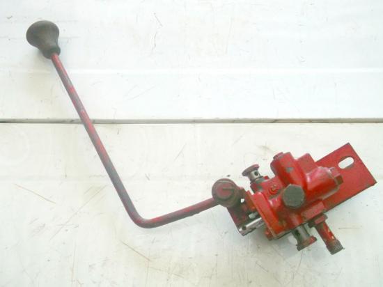 distributeur-hydraulique-frein-tracteur-ih-523-624-724.jpg