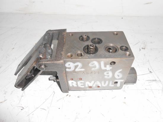 Distributeur hydraulique interne principal de relevage tracteur renault 92 94 96