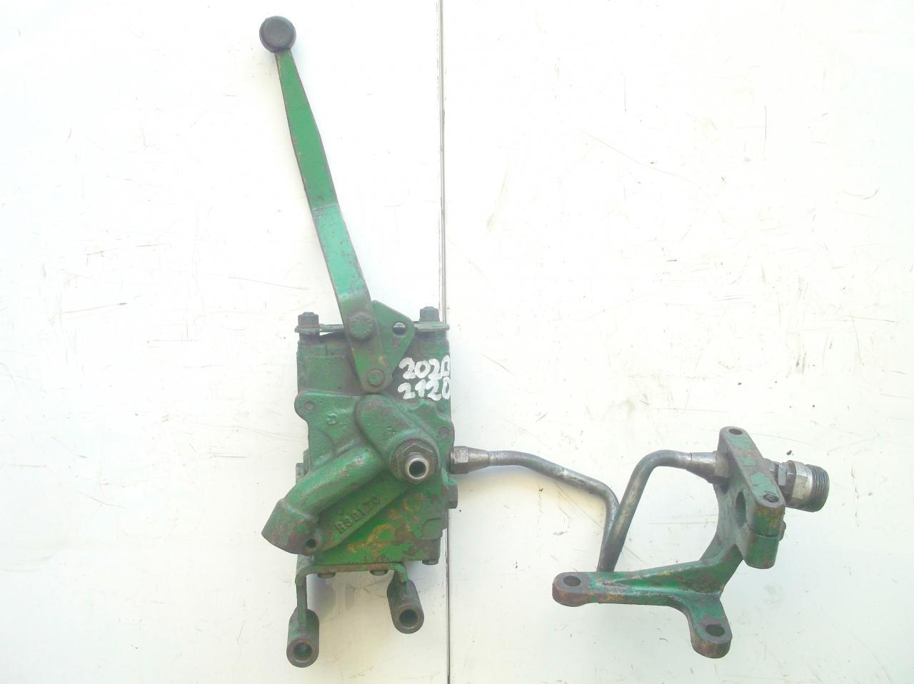 pompe hydraulique tracteur john deere 1120. Black Bedroom Furniture Sets. Home Design Ideas