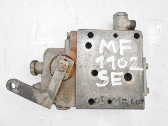 Distributeur hydraulique tracteur massey ferguson 1102