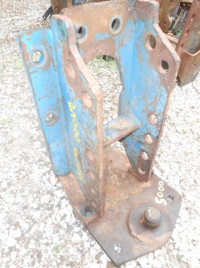 Echelle piton fixe tracteur ford 5000