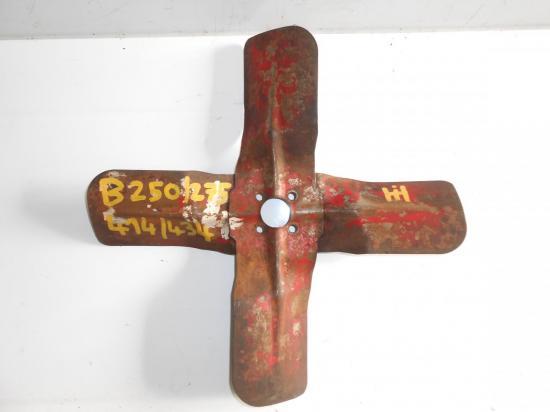 helice-ventilateur-pale-tracteur-mc-cormick-b250-b275-b414-b434.jpg