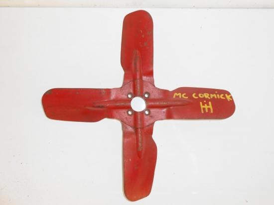 helice-ventilateur-pale-tracteur-mc-cormick-ih-utility-farmall.jpg