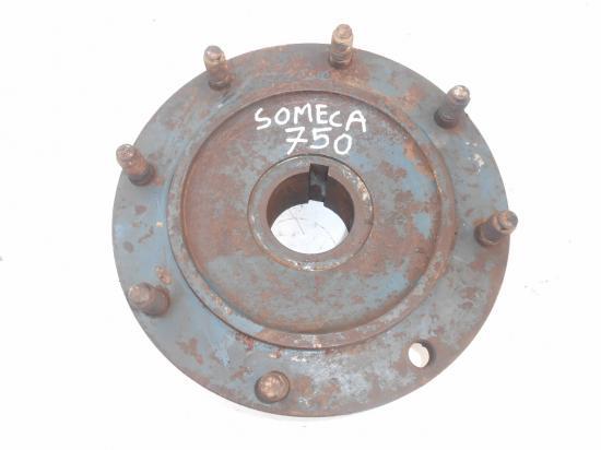 Moyeu cone de roue tracteur someca fiat 750