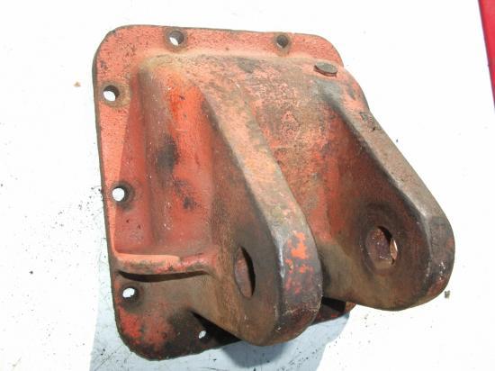 Piece support fixation barre 3 eme points carter cloche arriere de relevage tracteur agricole renault n70 n71 n72 super 5 6 7 5d 6d 7d 55 56 57