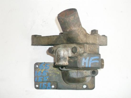 pipe-collecteur-eau-culasse-tracteur-massey-ferguson-mf-65-155-158-165.jpg