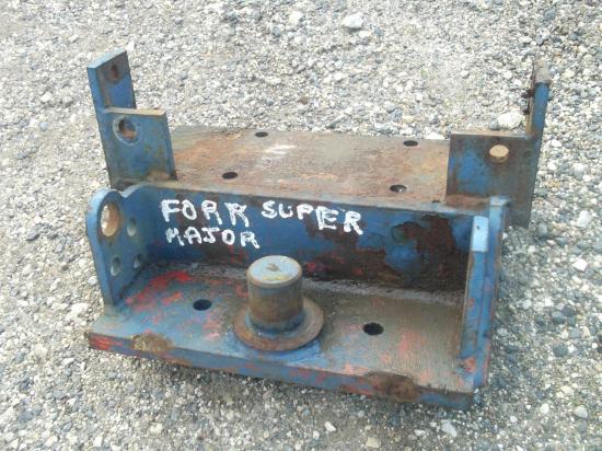 piton-fixe-tracteur-ford-fordson-major-super-major.jpg