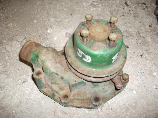 pompe-a-eau-tracteur-john-deere-820-920.jpg