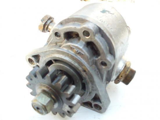 pompe-de-relevage-hydraulique-tracteur.jpg