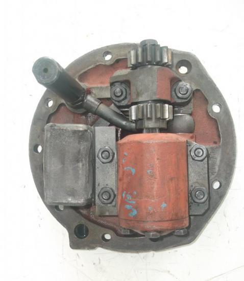 pompe-hydraulique-avec-entrainement-relevage-tracteur-agricole-zetor-ursus.jpg