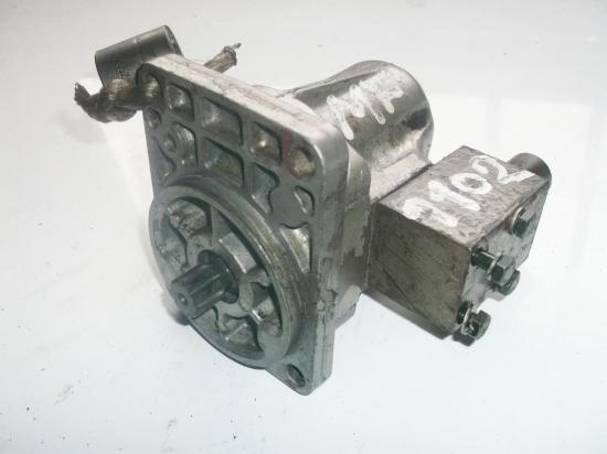 pompe-hydraulique-de-direction-assistee-tracteur-mf-massey-ferguson-1102.jpg