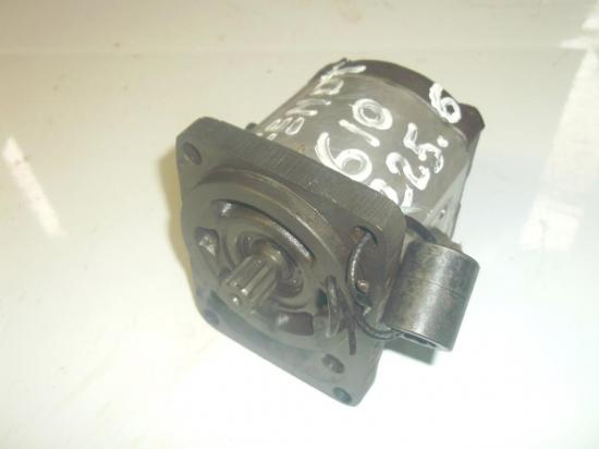 pompe-hydraulique-de-relevage-tracteur-fendt-610.jpg