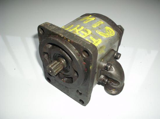 pompe-hydraulique-de-relevage-tracteur-fendt-614.jpg