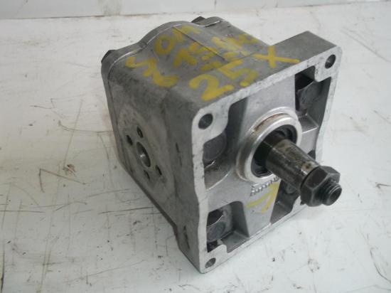 pompe-hydraulique-de-relevage-tracteur-someca-615-715-670-750-25x.jpg