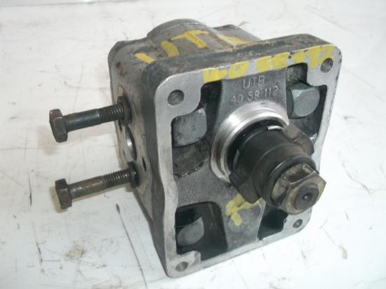 pompe-hydraulique-de-relevage-tracteur-universal-utb.jpg