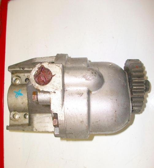 pompe-hydraulique-relevage-tracteur-ford-fordson-major.jpg