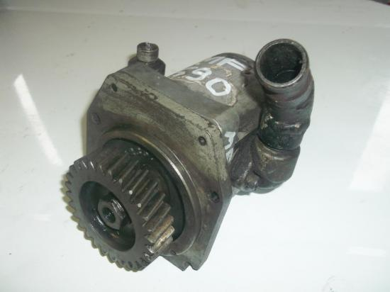 pompe-hydraulique-tracteur-massey-ferguson-mf-590.jpg