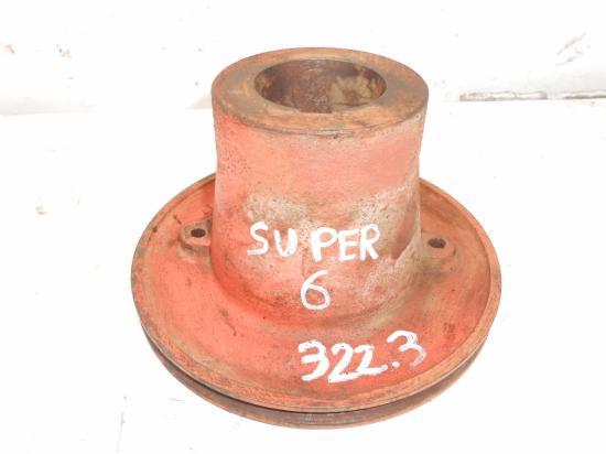 Poulie moteur type 322 3 vilebrequin piece tracteur renault super6 super 6 6d