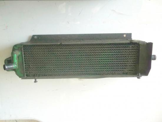 radiateur-huile-tracteur-john-deere-3-4-cylindres-1630-2020-2030-2120-2130.jpg