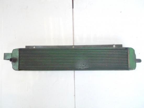 radiateur-huile-tracteur-john-deere-6-cylindres-3120-3130.jpg
