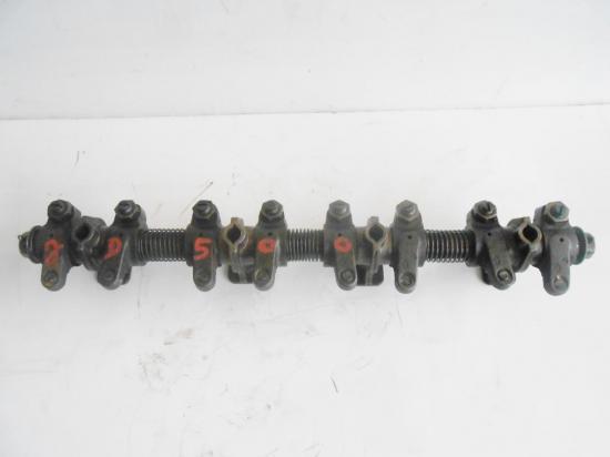 rampe-de-culbuteur-4-cylindres-tracteur-john-deere-lanz-500.jpg