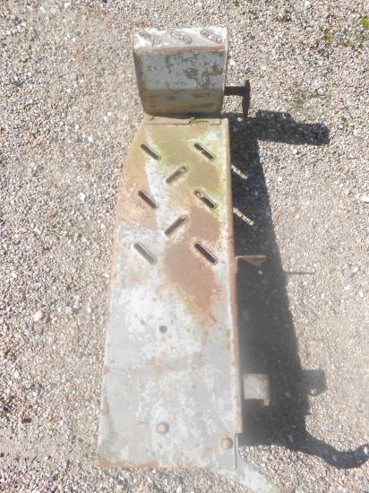 Repose marche pied tracteur massey mf 158