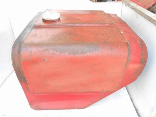 Reservoir carburant tracteur agricole international ih mccormick 553 624 654 724 734 824 834