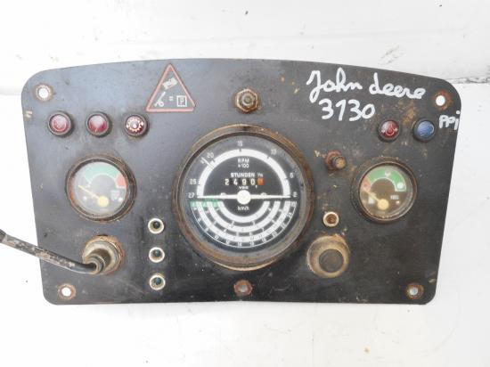 Tableau de bord tracteur john deere 3130
