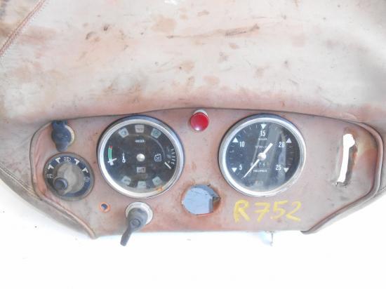 Tableau de bord tracteur renault 752